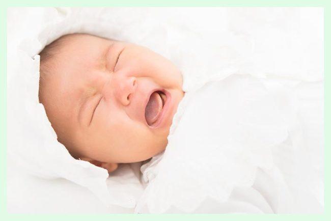 泣く赤ちゃん葉酸妊活